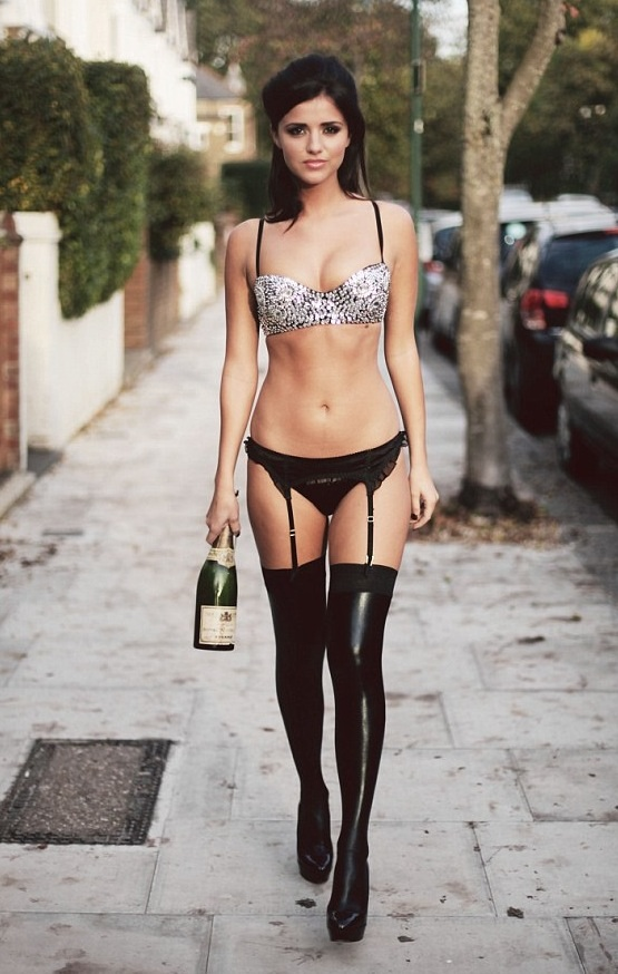Mecklenburgh nackt Lucy  Lucy Mecklenburgh: